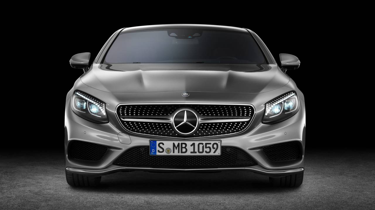 Mercedes-Benz S-Klasse Coupé S 500 4MATIC Edition 1 mit AMG Alubeam silber, designo