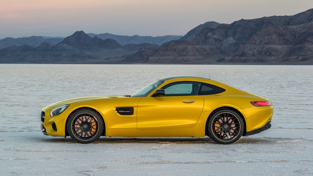 Mercedes-AMG GT in AMG Solarbeam und AMG Night-Paket Exterieur