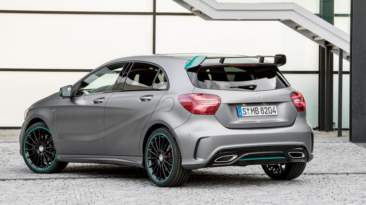 Mercedes-Benz A 250 Motorsport Edition, in Mountaingrau Magno (2015)