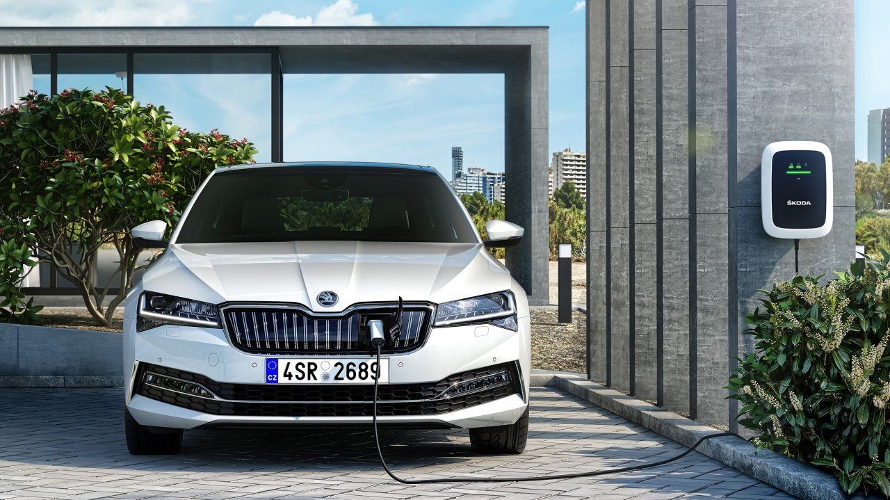 ŠKODA Superb iV Limousine (160 kW / 218 PS), 6-Gang Automatik (DSG) (ab September 2019)